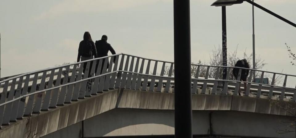 Tijdens-de-spits-kiezen-tientallen-voetgangers-het-olifantenpad-Foto-Omroep-Gelderland
